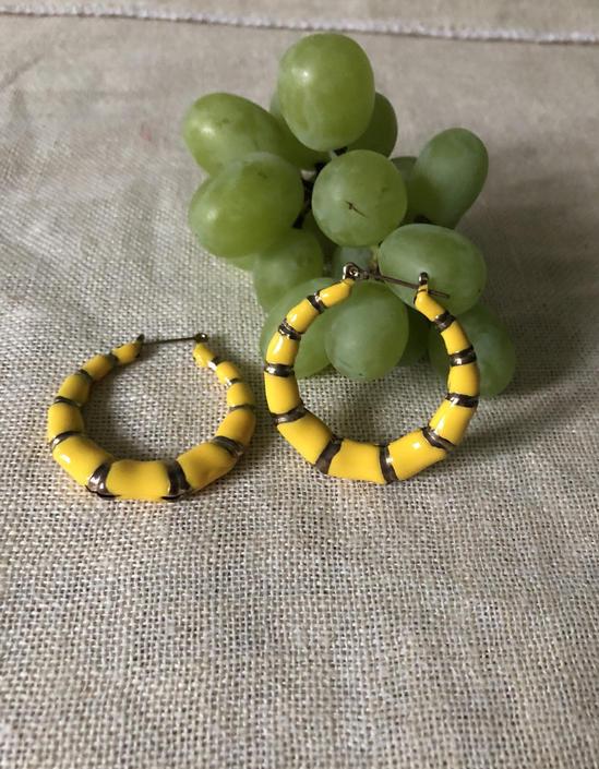 70s yellow enamel hoops / vintage canary yellow ribbed enamel large hoop bamboo earrings | pierced large hoop earrings by RecapVintageStudio