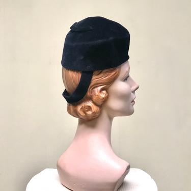 Vintage 1940s Black Velour Toque, 40s Ebony Felt Tilt Hat with Back Strap, Film Noir Pillbox Hat by RanchQueenVintage