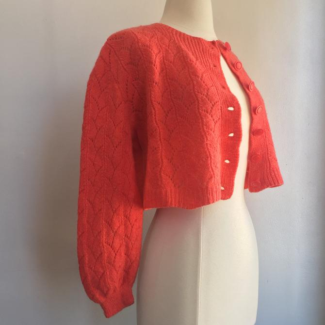Sweet 50's Vintage HAND KNIT CROPPED Cardigan / Shell Scallop Patter + Coral Color / Matching buttons by CharmVintageBoutique