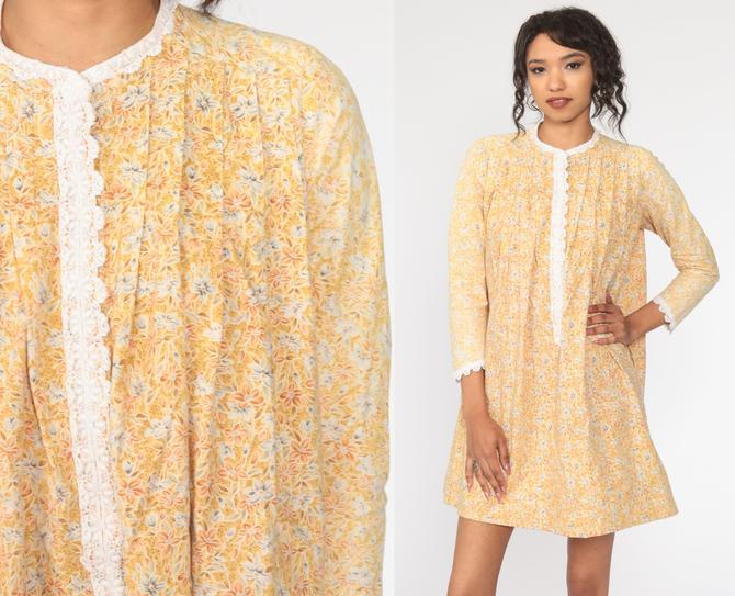 70s Mini Dress Yellow FLORAL PRINT Dress 1970s Mod Boho Long Sleeve Lace Trim Hippie Minidress Shift Vintage Twiggy Peasant Medium Large by ShopExile