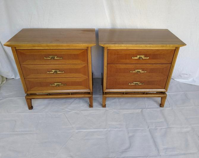 Pair MCM, Vintage, White Fine Furniture, Three Drawers Night Stand. by SouliDesign