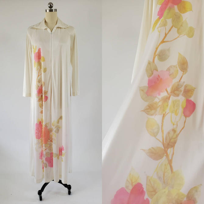 1970's Kayser Robe with Beautiful Floral Print 70s Sleepwear 70's Loungewear Women's Vintage Size Medium by HeySailorNiceVintage