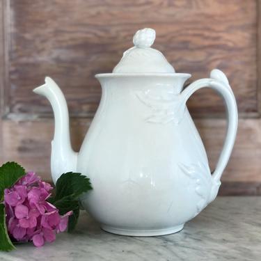 Antique Ironstone Teapot by AnticaMarket
