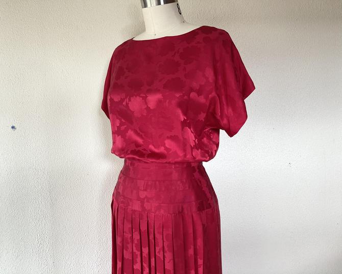 1980s Red silk jacquard dress by VelvetGoldmineShop