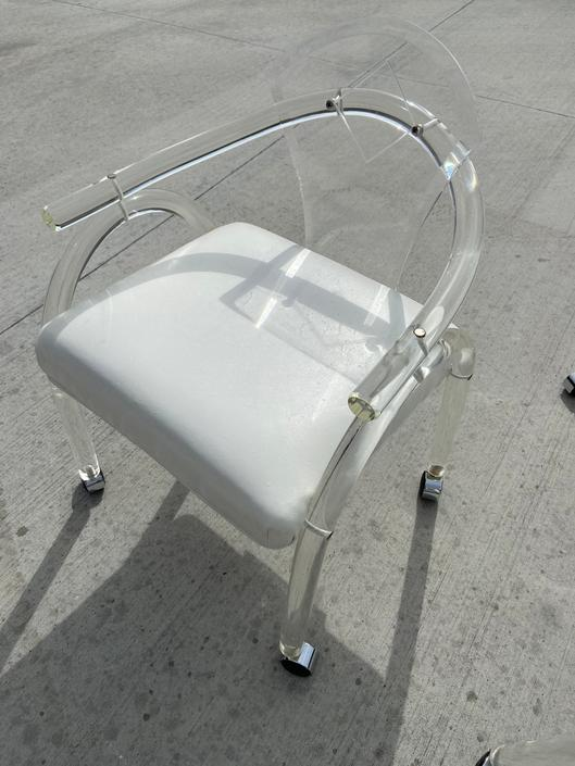 1970's Lucite Arm Chair by Ninefrtn