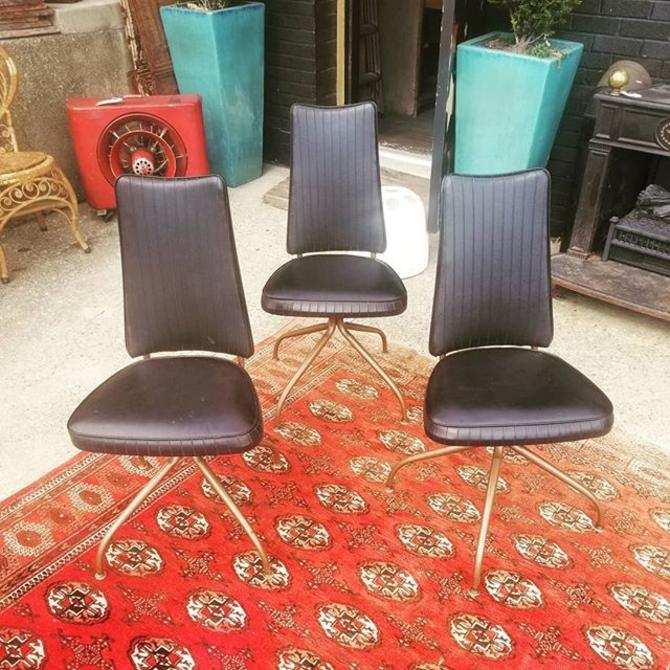 Set of 3 retro chairs