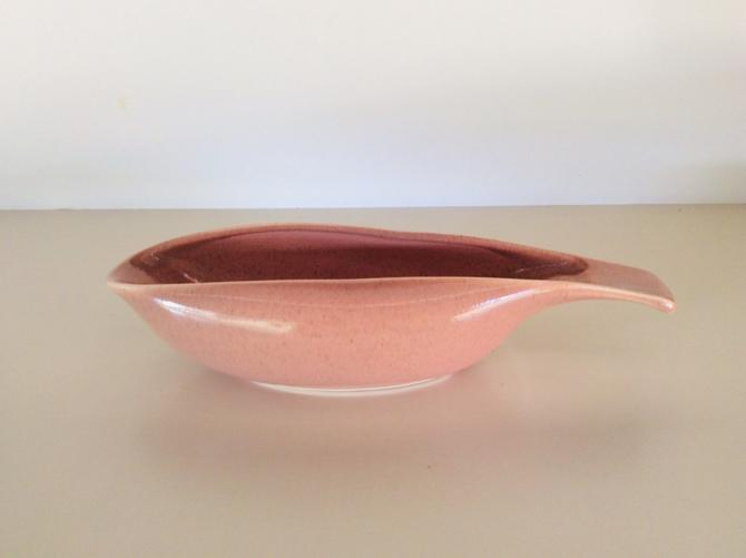 Russell Wright American Modern Coral Gravy Boat -- an MCM Classic! by nauhaus