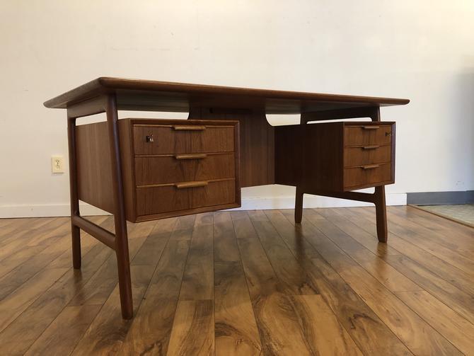 Omann Jun Model 75 Teak Desk