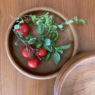 vintage teak round ribbed salad bowl -  Kalmar teak serving bowl - made in thailand by ionesAttic