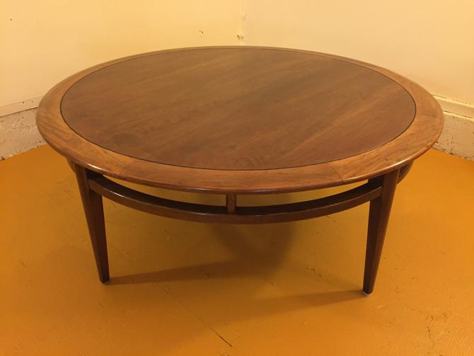 Lane Mid Century Round Coffee Table
