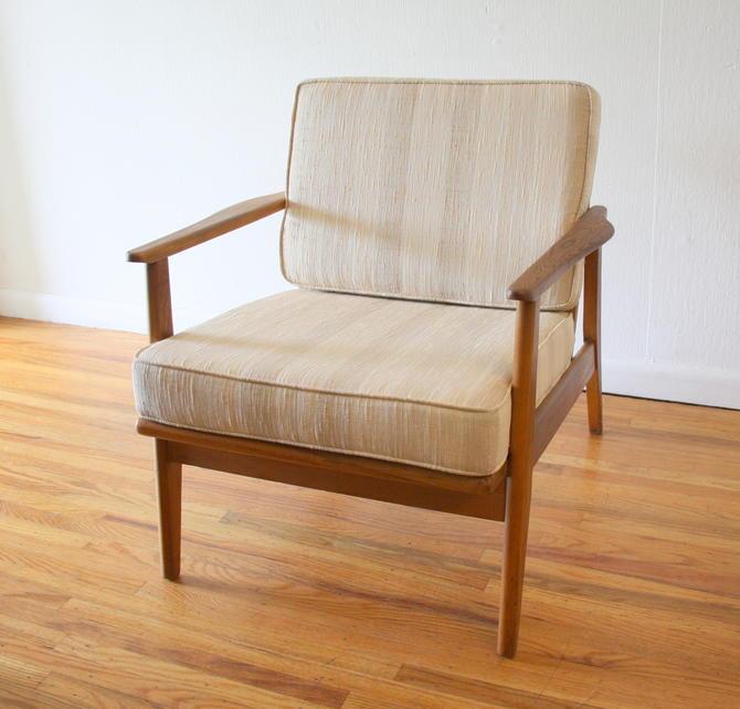 Mid Century Modern Arm Lounge Chair