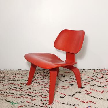 Eames LCW red lounge chair