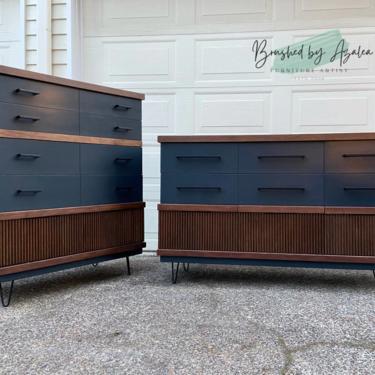 Refinished dresser set / bedroom set MCM style two tone by RelovedFurnitureStor
