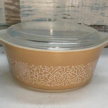 "Pyrex ""Woodland Brown"" #472-B casserole dish by JoyfulHeartReclaimed"