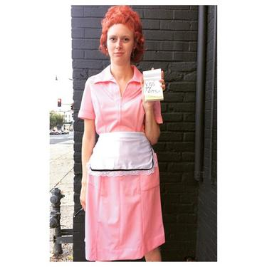 Ok you Bartles n James lovers. Remember this tv character ? Answer: Flo from Mel's Diner this and many more costume ideas @meepsdc#hallwoween #vintagecostumes #vintagehalloween #meepe #flo #1980s #melsdiner #kissmygrits