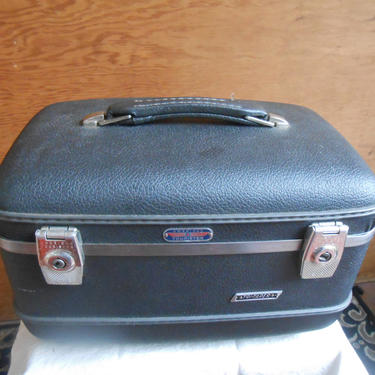 Vintage American Tourister Train Case Carry On Overnight Makeup Cosmetic Small Suitcase Dark Gray Retro Travel Storage Case Small Luggage by kissmyattvintage