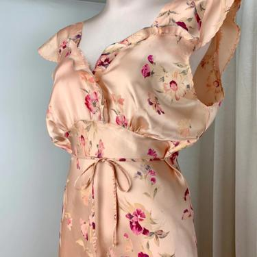 1940'S Satin Bias Cut Negligee - Rayon Satin - Peach Floral with Pansies - Capped Sleeve Details - Size Medium by GabrielasVintage
