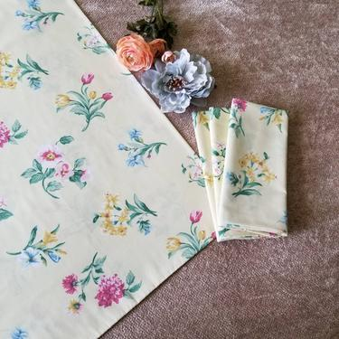 Vintage Floral Yellow Pillow Case Set of 4 / Pale Yellow Chintz Pillowcases / Standard Pillow Cases / Colorful Yellow Floral Pillow Covers by SoughtClothier
