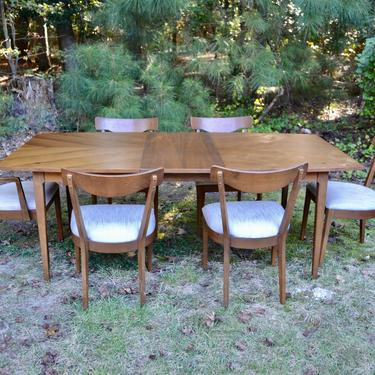 """Mid Century American Of Martinsville Dining Set - Six Chairs ,  two -18"""" leaves , table pads by RossDesignCompany"""