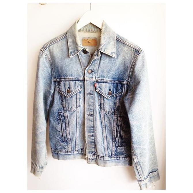 Jean jacket weather !!#Levi's perfectly distressed #denim trucker call us for phone orders 202-265-6546  #classics #worn #denimjacket #biker #lightwash #fall #admo #dc