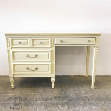 CUSTOMIZABLE: Dixie Desk / Vanity by VintageRefinedDecor
