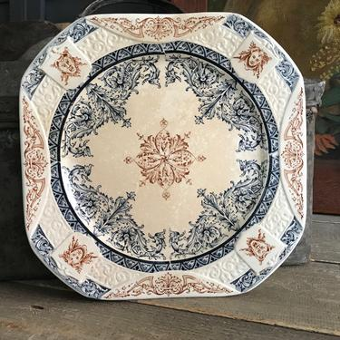 French Faïence Plate, Longchamp, Acanthus Scroll Leaf Design, French Chateau, Farmhouse, Farm Table by JansVintageStuff