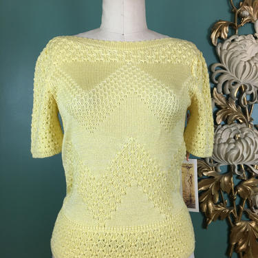 1980s knit top, yellow sweater, vintage sweater, size medium, Leslie fay knits, puff shoulders, cropped sweater, chevron print, 36 bust by BlackLabelVintageWA