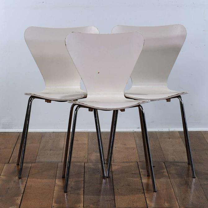 Set Of 3 Modernist White Chairs W Chrome Base