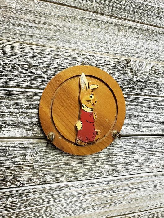Vintage Rabbit Hot Pad Holder Small Utensil Hook Round Wood Key Hook Vintage Bunny Oven Mitt Holder Kitchen Wall Decor Vintage Kitchen By