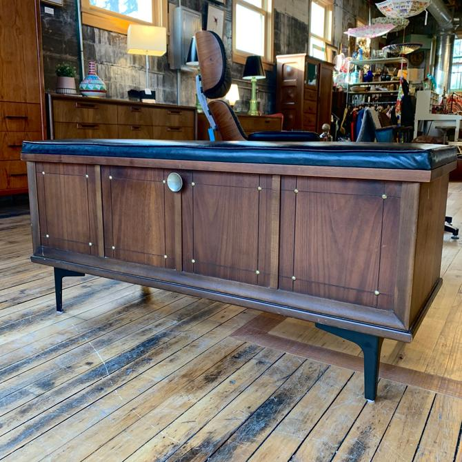 Mid-Century Cedar Chest / Bench by Lane