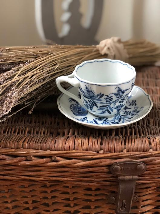 Blue Danube Tea Cup and Saucer by AnticaMarket