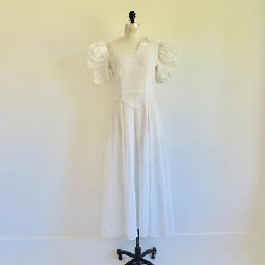 "Vintage 1940's White Cotton Organdy Voile Long Dress Sweetheart Neckline Puff Sleeves Wedding Bridal WW2 Era 32"" Waist Medium by seekcollect"