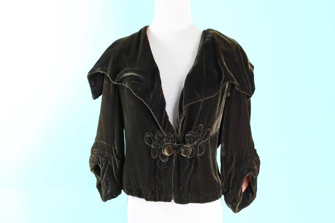 RARE 1930s Art Deco Jacket Brown Silk Velvet Frog Closure Large Collar Size S M by WalkinVintage