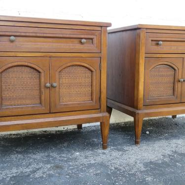 Mid Century Modern Pair of Nightstands Side End Tables by White Furniture 2367