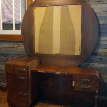 Short Art Deco Vanity w Missing Mirror