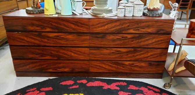 Rosewood 8-drawer Dresser by Arne Wahl Iversen for Vinde