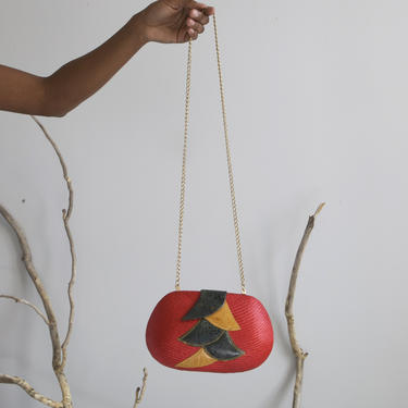 small red oval straw box bag gold chain by EELT
