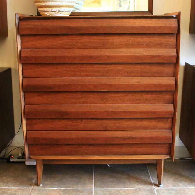 Compact Walnut Mid Century Tall Dresser w / Geometric Pulls