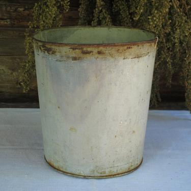 Shabby Farmhouse Pail Galvanized metal Bucket Outdoor Gray Planter Silver metal Pail Tin Pail Garbage Can Wastepaper Basket Wedding Country by akaATA