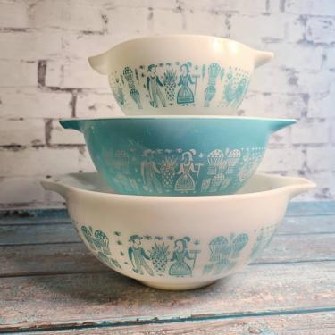 Amish Butterprint Pyrex Cinderella Bowl Set of 3 - 441 442 443 Kitchen Mixing Bowl Set - Country Kitch - Country Style by BellsAndWhistlesEtc