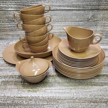 Vintage Melamine Dishes, 30 Pieces Chocolate Brown Dinnerware, Oneida Deluxe Melmac Dish Set, 1960's Retro Kitchen Decor, Vintage Kitchen by AGoGoVintage