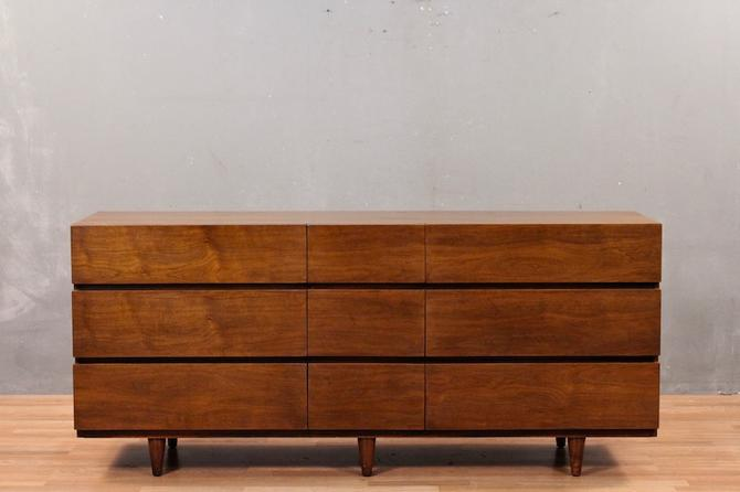 American of Martinsville Mid Century 9-Drawer Dresser