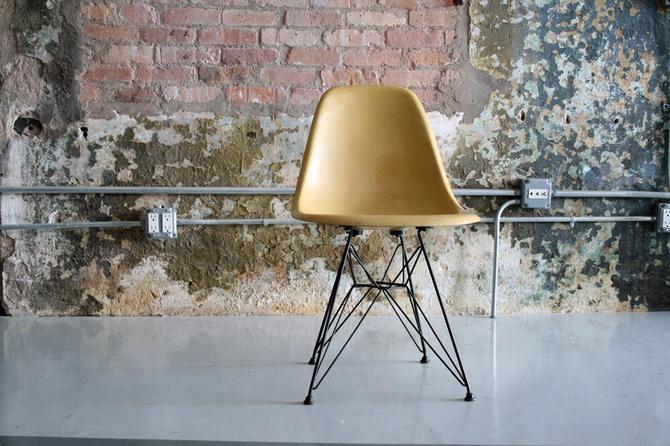Eames Eiffel Tower Chair