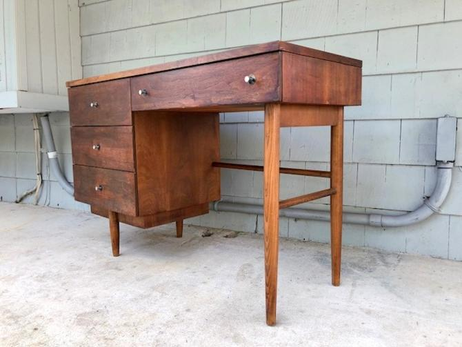 Midcentury 1960s Desk by Stanley