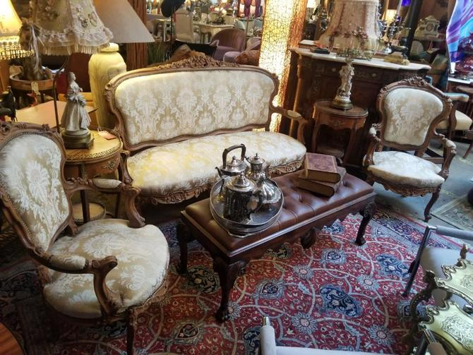 Stunning Antique French Victorian Heavily Carved Ornate Parlor Set