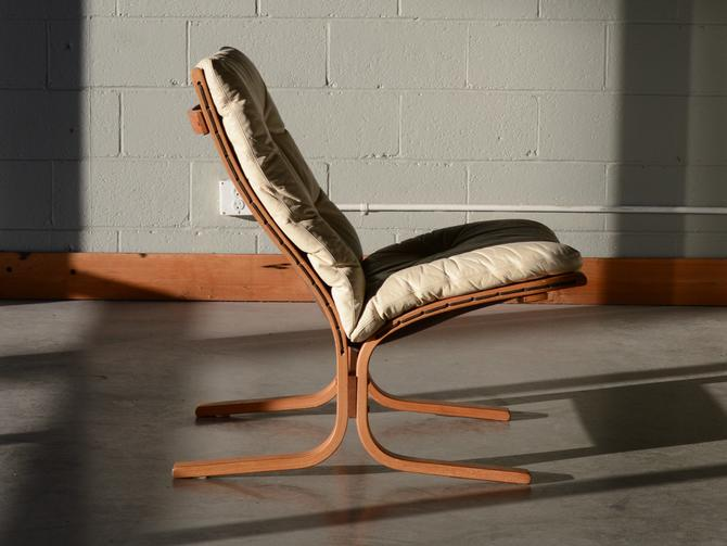 Mid Century Ingmar Relling 'Siesta' Armless Lounge Chair in Cream Leather by MadsenModern