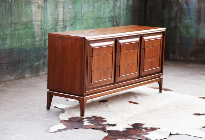 ICONIC United Furniture Sculptural 9 drawer Credenza Sideboard Solid Walnut Mid Century Danish Modern Minimalist Dresser MCM 1960s by CatchMyDriftVintage
