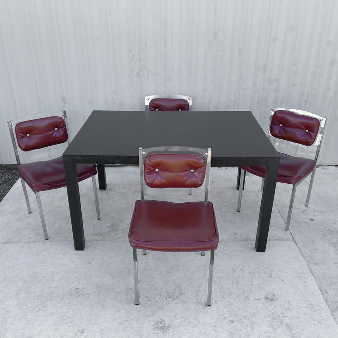 Mid-Century Modern Dining Set With Four Chairs by secondhandstory