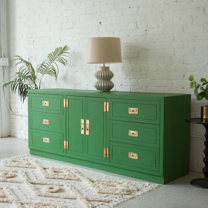Kelly Green Hollywood Regency Dresser