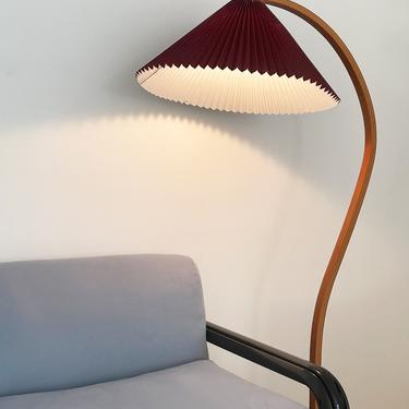 1970s Cranberry Danish Bent Teak Caprani Floor Lamp